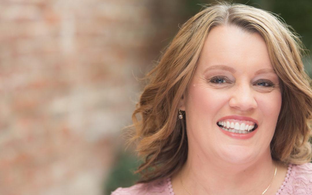 Author Lyneta Smith Unveils Triumphant Memoir
